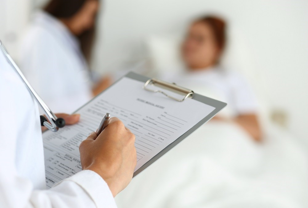 Care provided by non-sleep specialists and sleep specialists resulted in similar quality of life, adherence, and symptom scores.