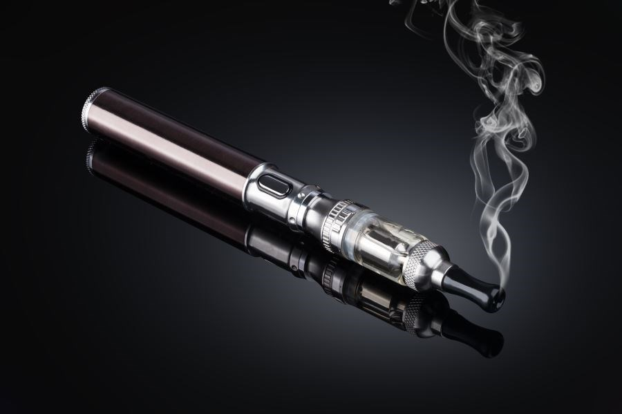 E-Cigarette Use Associated With Increased Risk for COPD